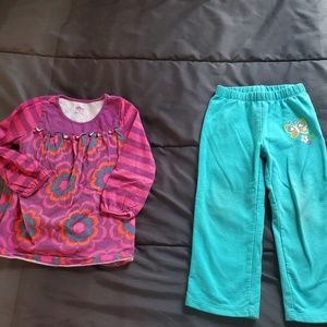 girl 3t turquoise pants and design top